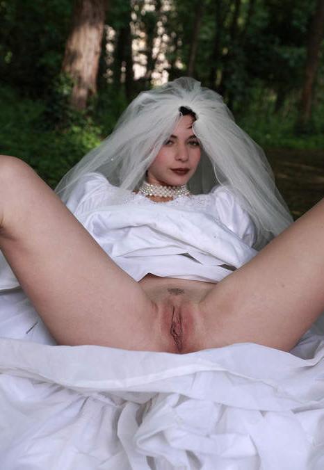 Невеста без трусов под юбкой фото фото 709-589